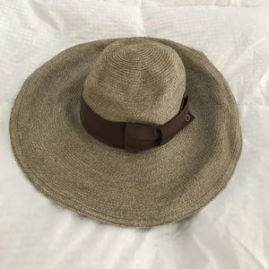 AUTHENTIC GUCCI SUNHAT!